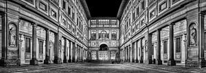 Uffizi gallery Florence at night in Black and White II van