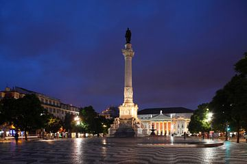 Denkmal Dom Pedro IV.und Nationaltheater am Rossio in der Abendd�mmerung  Lissabon, Portugal