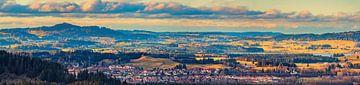 Panorama van de Ostallgäu, Beieren, Duitsland van Henk Meijer Photography