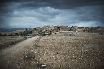 Marokkaans landschap met dorp van Karel Ham