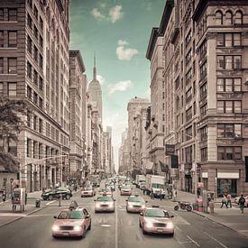 NEW YORK CITY 5th Avenue Verkehr | urbaner Vintage-Stil von Melanie Viola
