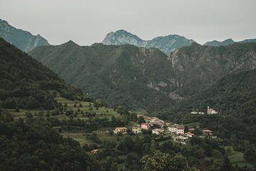 De heuvels van Noord-Italië van Paulien van der Werf