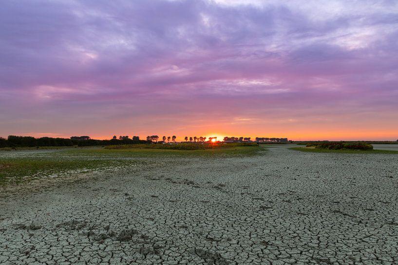 Zonsondergang & droogte van T de Smit
