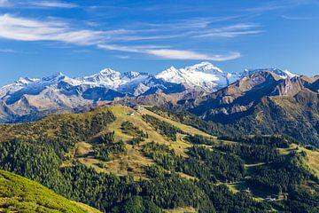 Berglandschaft Sommer & Winter von Coen Weesjes
