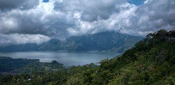 Lake Batur van Peter Reijners