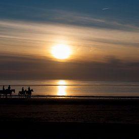 paardjes op het strand von Guido Akster