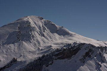 Bergen in wintersportgebied von Arie-Jan Eelman