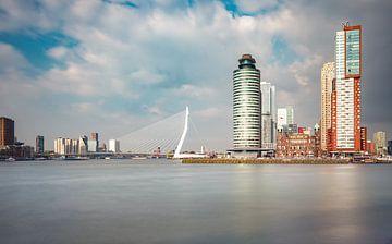Kop van Zuid vanaf Katendrecht van Ronne Vinkx