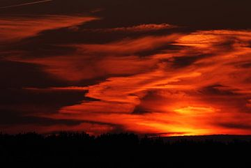 Rode zonsondergang van KaHoo Wong
