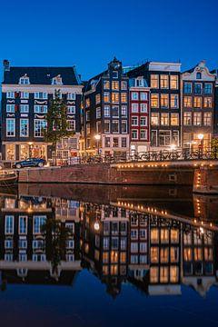 Grachtenhäuser auf dem Singel in Amsterdam von Thea.Photo