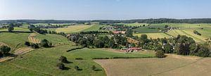 Luchtpanorama  van het Zuid-Limburgse landschap in de buurt van Epen van John Kreukniet