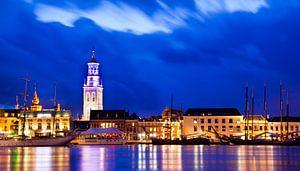 Kampen aan de IJssel in het blauwe uur van