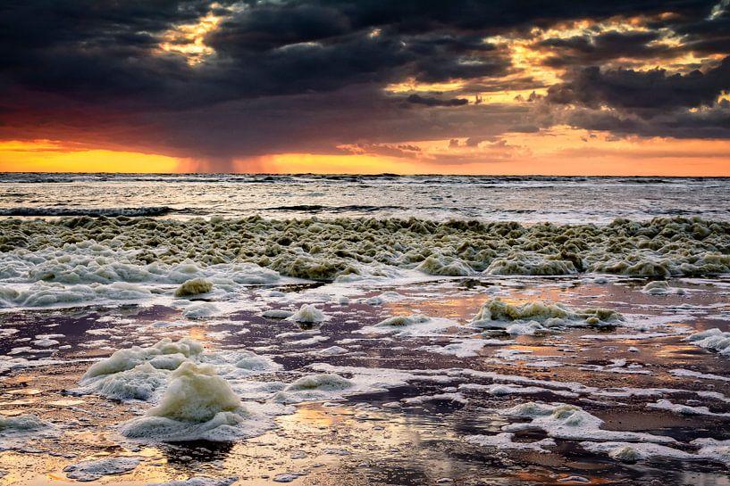 Fiery sky van Richard Guijt Photography