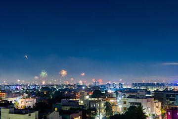 Vuurwerk boven Chennai van Robert Ruidl