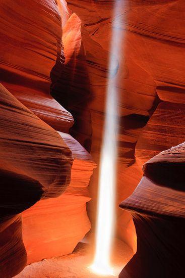 Lightbeam in Upper Antelope Canyon van Henk Meijer Photography
