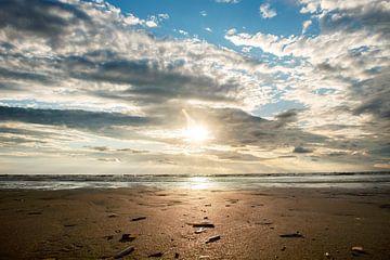 Zonsondergang op het strand van mandy vd Weerd
