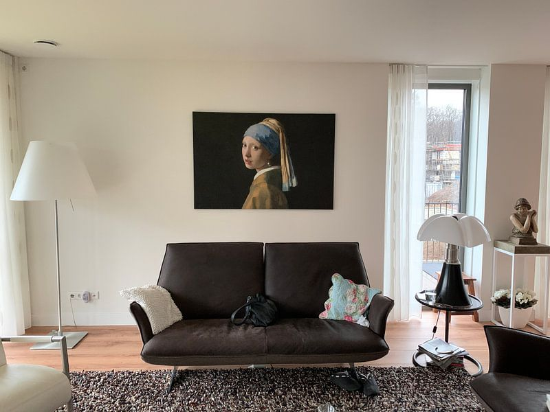Photo de nos clients: La fille avec Pearl 2, couchée. sur Marieke de Koning, sur toile