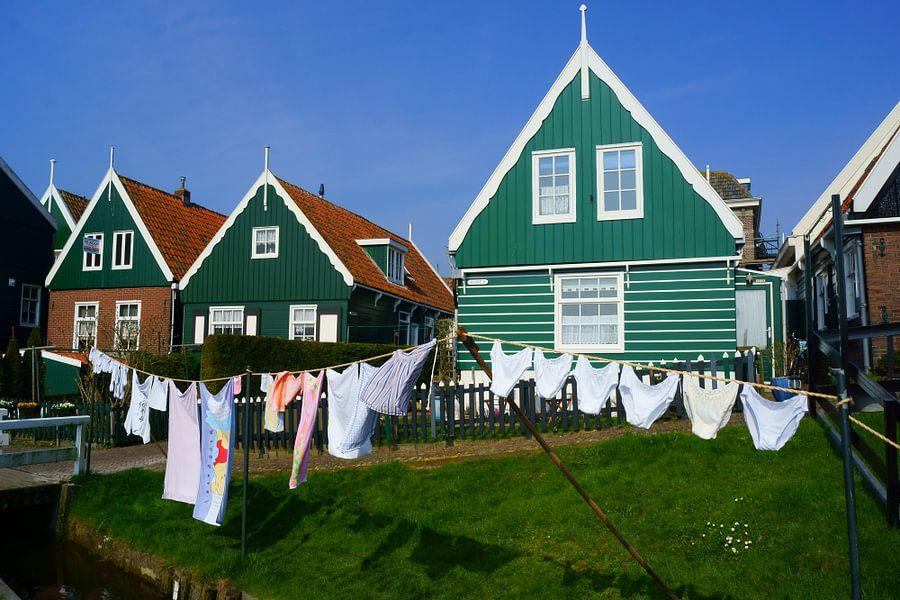 Waslijn in Marken van Michel van Kooten