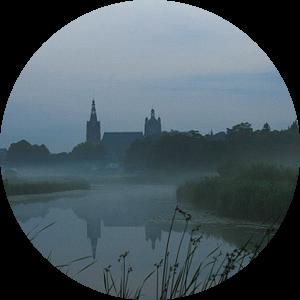 Sint Jan in de nevel Den Bosch van Sandra van Vugt