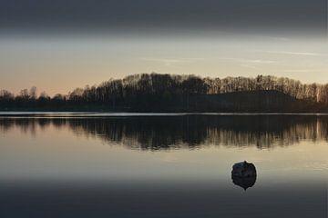 Stille Am See I von Lena Weisbek