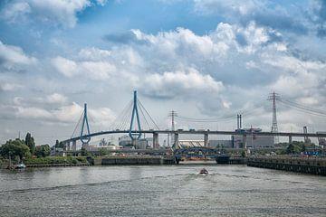 Köhlbrandbrücke van Bernd Garbers