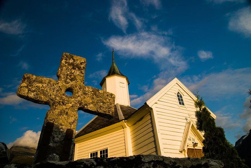Kerkje met kruis van Martin Noteboom
