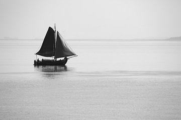 Segler zwischen den Nordseeinseln von Angelika Stern