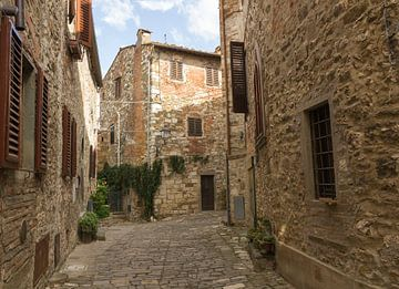 Village médiéval toscan de Montefioralle sur MDRN HOME