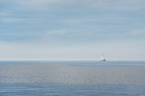 Zeilbootje op 't IJsselmeer nabij Hindeloopen