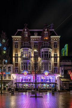Avondklok in Amsterdam - Leidseplein Bulldog
