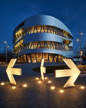 Mercedes Museum & Pijlen van Keith Wilson Photography