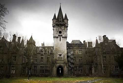 Chateau Noisy van