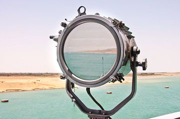 Suez Kanaal in Seinlamp <liggend> van Alex Hiemstra