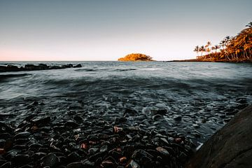 Stenen strand van Daniel Damnitz