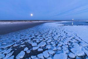 Lichten boven het ijs van de Waddenzee