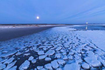Lichten boven het ijs van de Waddenzee von Karla Leeftink