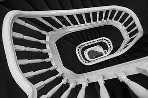 Spiraaltrap in zwart wit