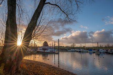 Haven Maurik bij zonsopkomst van