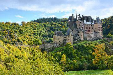 Burg Eltz sur Gisela Scheffbuch