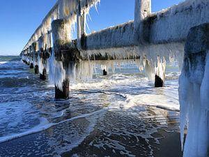 Eis am Steg von Bowspirit Maregraphy