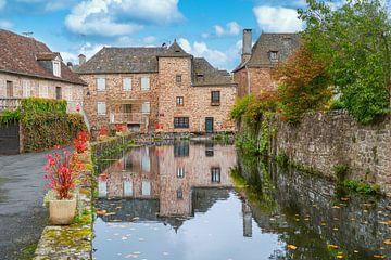 Französisches Haus auf kleinem Wasser von Ivo de Rooij