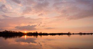 Zonsondergang Nedereindseplas. Sunset Lake Nedereindse