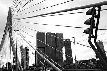 Erasmusbrücke Rotterdam Schwarz-Weiß von Bianca ter Riet