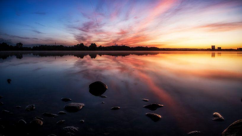 Kleurrijke zonsopkomst #1 van Lex Schulte