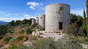 Molins de la Plana op een bergrug in de omgeving van Javea in Spanje