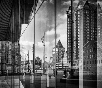 Reflections' Rotterdamer Stadtzentrum (1 x 1 in schwarz-weiß) von Rick van der Poorten