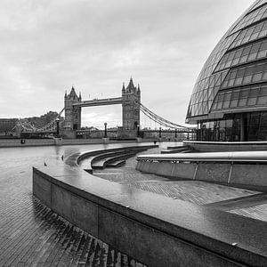 LONDON 04 van