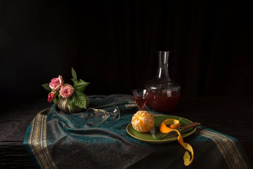 Stilleven met gepelde sinaasappel van Fleur Halkema