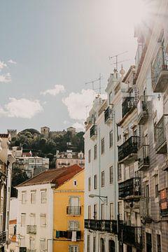 De straten van Lissabon in de nazomer van Manon Visser