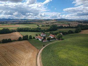Van boven af zicht op de Auvergne sur